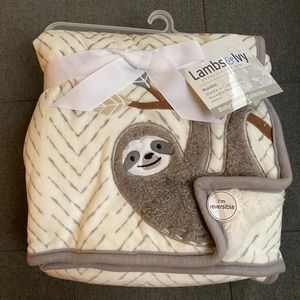 Sherpa baby blanket with sloth detail